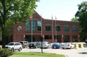 Budova střední soukromé školy St.John's-Ravenscourt ve Winnipegu v Manitobě, Kanada