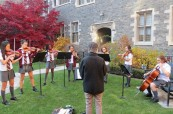 Hudební výchova studentek, The Bishop Strachan School, Toronto, Kanada