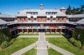 Škola připravená na přivítání mezinárodních studentů z celého světa, St. Michael's University School ve Victorii, Britská Kolumbie, Kanada
