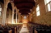 Střední soukromá škola má také vlastní kapli v kampusu školy, The Bishop Strachan School, Toronto, Ontario, Kanada