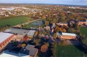 Kampus soukromé střední školy Ridley College, St. Catharines, Ontario, Kanada