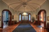 Prostory střední soukromé školy Trafalgar Castle School, Whitby, Ontario, Kanada