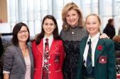 Paní ředitelka má ke svým studentkám velice blízko a je jim inspirací, Branksome Hall, Toronto, Ontario, Kanada