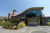 Škola je moderní a příjemná, Brentwood College, Mill Bay, Kanada
