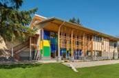 Budova střední školy Queen Margaret's School, Britská Kolumbie, Kanada
