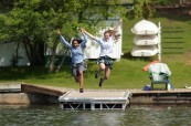 Konec školního roku mohou studenti oslavit po svém, Lakefield College School v Ontariu, Kanada