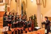 Studentky během vánočního koncertu, Branksome Hall, Toronto, Ontario, Kanada