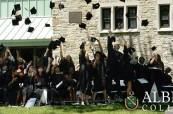 Závěrečná ceremonie studentů ze školy Albert College v Belleville, Ontario, Kanada